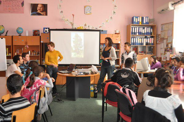 EVS in VCS: Ecological workshops with Roma teenagers