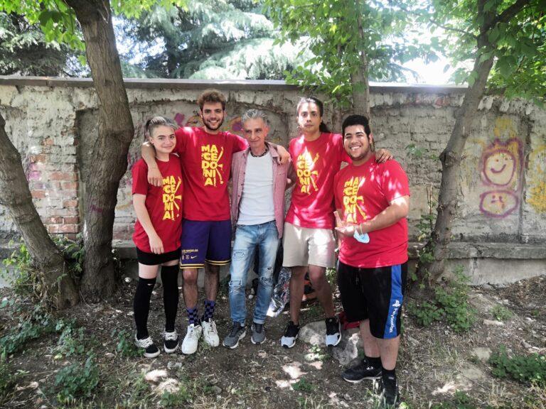 Денови што им го променија животот: Довидување пријатели од Шпанија